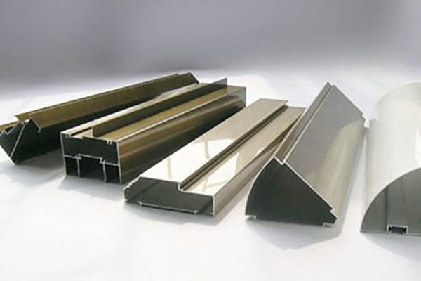 铝型材的成品率高取决于铝型材挤压机